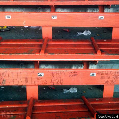 Vandalisme di kursi penonton GBK